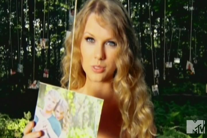 Taylor Swift - Mine (2010)