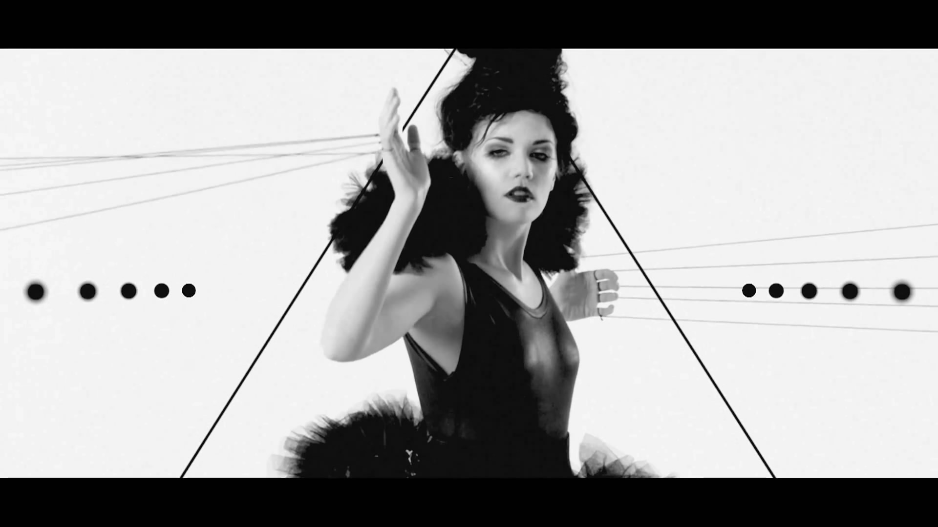 Новый клип Bring Me The Horizon - Blessed With A Curse (2011)