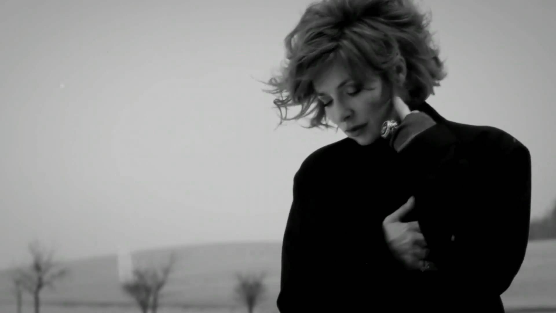 Новый клип Mylene Farmer - Bleu Noir (2011)