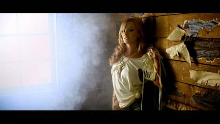 Новый клип Alexandra Stan - Get Back (2011)