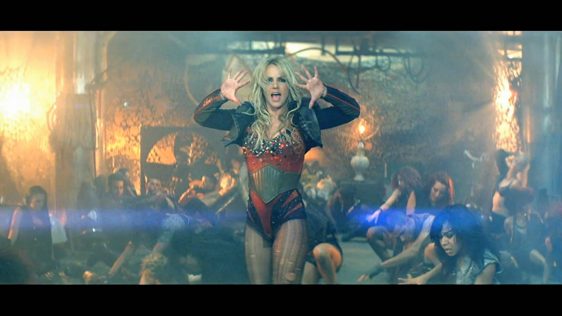 Новый клип Britney Spears (Бритни Спирс) - Till The World Ends (2011)