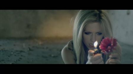 Новый клип Avril Lavigne - Wish You Were Here (2011)