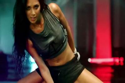 Клип Nicole Scherzinger - Wet (2011)